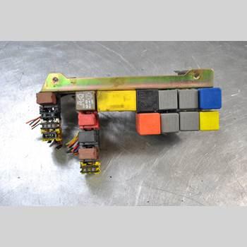 Säkringsdosa/Elcentral PEUGEOT BOXER    94-02 2.5 TDi Diesel 15TUM Skåp 2000