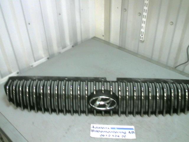 Grill Komplett till HYUNDAI SONATA 1999-2005 A 86350-38030 (0)