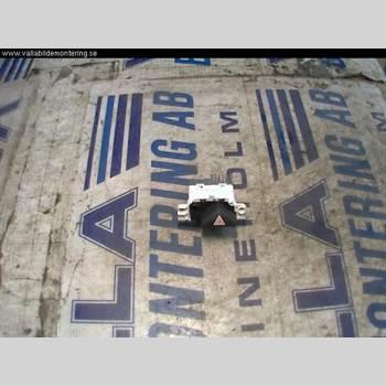 Strömställare Varningsblinkers FORD FOCUS     99-04 1,6 16V 1999 98AG13A350AD