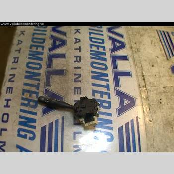 TOYOTA YARIS    -03 Toyota yaris    -03 2001 8414052020
