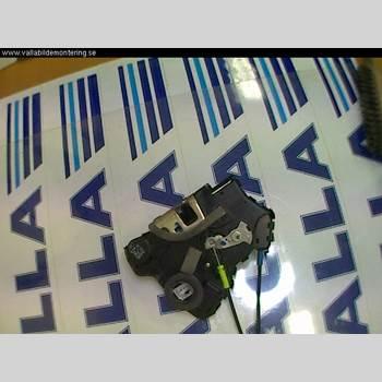 TOYOTA AVENSIS   03-06 2,4 2004 69030-02161