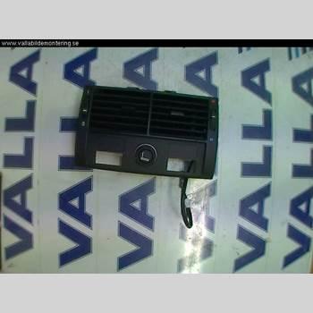 DEFROSTERKANAL/MUNSTYCKE BMW X5 E53     99-06 4,4 I 2001 64228409081