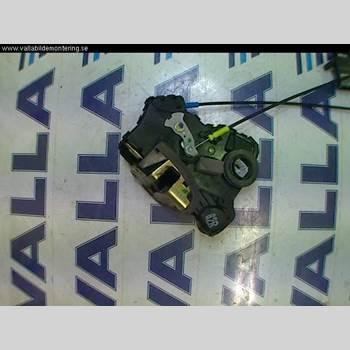 TOYOTA AVENSIS   03-06 2,0 2003 69030-02161