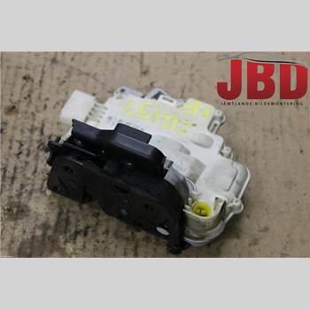 Centrallåsmotor Vänster AUDI A4/S4 05-07 A4 (8EC/8HE) Quattro 2006 8E1837015AA
