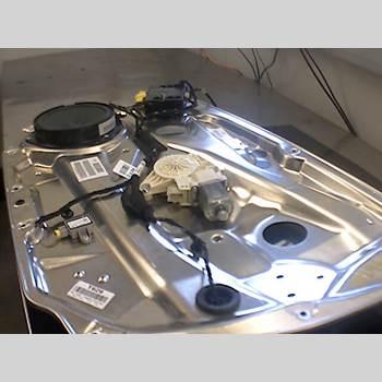 Fönsterhiss Elektrisk Komplett MB C-KLASS (W204) 07-15 C 200 KOMPRESSOR 2008 A2048200242