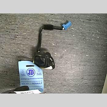 VOLVO XC70 05-07  2006 8651215