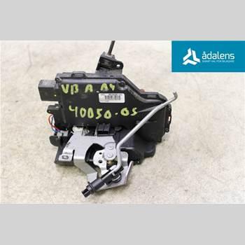 Centrallåsmotor Vänster AUDI A4/S4 01-05 A4 AVANT 1,8T QUATTRO 2004 8E0839015C