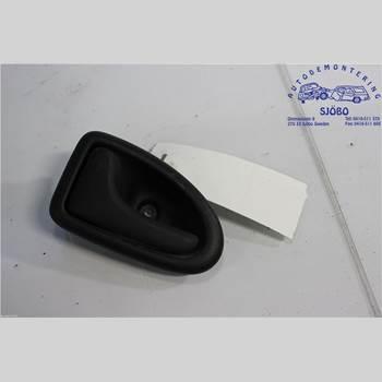 Dörrhandtag Vänster Inre NISSAN PRIMASTAR 1.9DCi NISSAN PRIMASTAR DCi100 2007 7700423887
