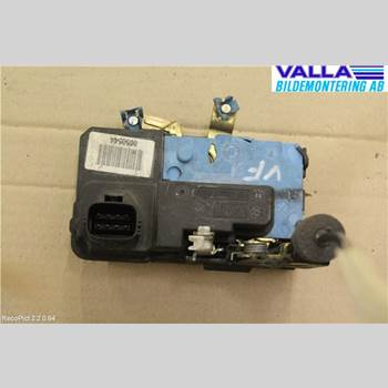 VOLVO V70      00-04 2,4D D5 2003 30699746