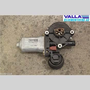 Fönsterhissmotor TOYOTA RAV 4    00-06 2,0 2002 8572032150