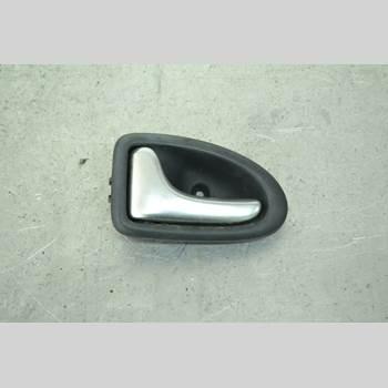 Dörrhandtag Vänster Inre RENAULT MÉGANE I  99-03 MEGANE KOMBI 2002