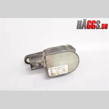 Nivå/Luftfjädring Sensor AUDI Q7/SQ7 3,6 FSi 2007 7L6616571