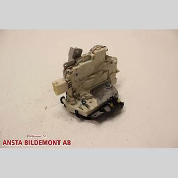 Centrallåsmotor Vänster AUDI A4/S4 05-07 2,0 TURBO QUATTRO 2006 8E0839015AA