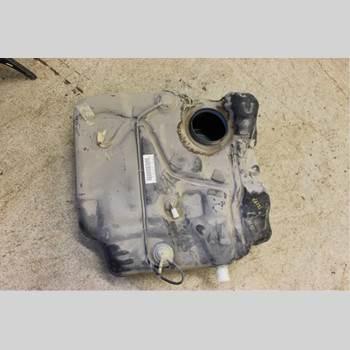 Bränsletank VOLVO V50 04-07 2,5T T5 220hk Kombi 2004 31336855