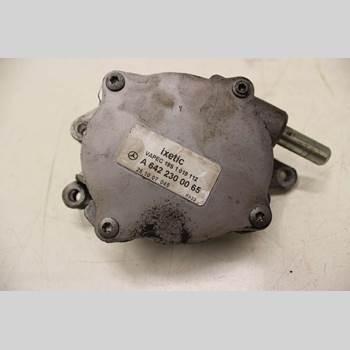 MB C-KLASS (W204) 07-15 3,0 CDI V6  AVANTGARDE 320 2008 A6422300065
