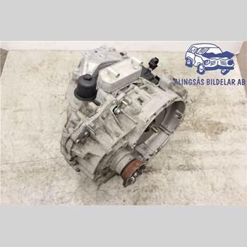 VW JETTA V    06-10 4DSED 1,4TSi AUT SER ABS 2007 02E300044