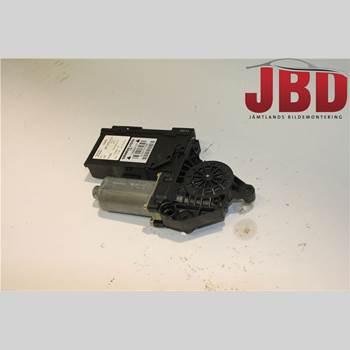 AUDI A4/S4 01-05 AUDI A4 AVANT 1,9 TDI QU 2004 8E0959802A