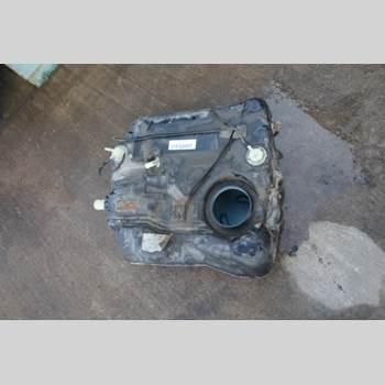 Bränsletank VOLVO V50 04-07 1,8i Kombi 125hk 2006 31336855