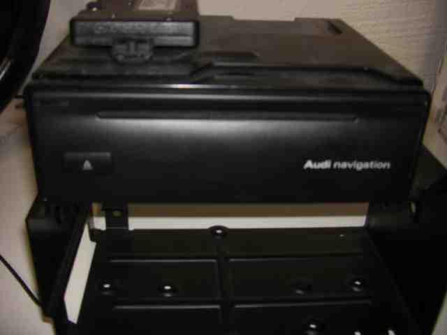 Radio till AUDI A4/S4 2001-2005 GF 8618842290 (0)