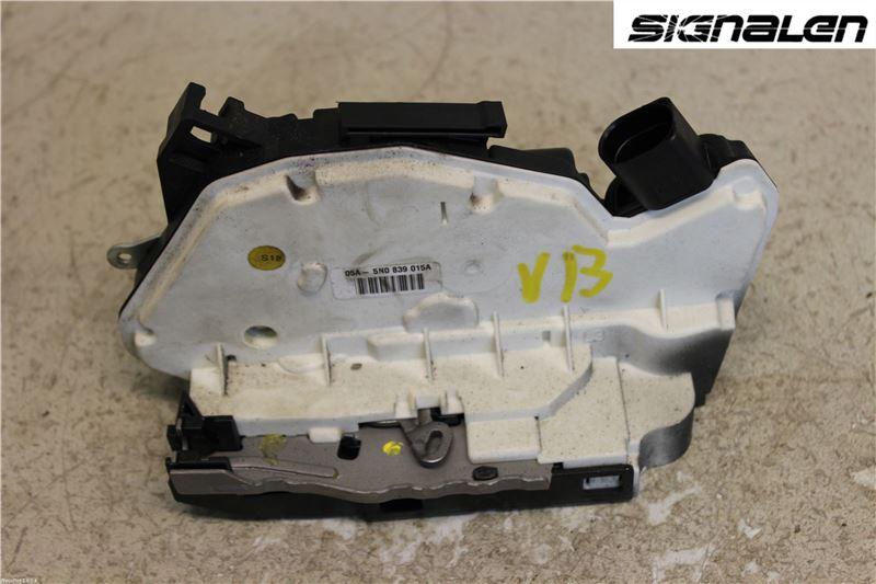 Låskista/Dörrlås till VW PASSAT CC 2008-2016 C 5N0839015D (0)