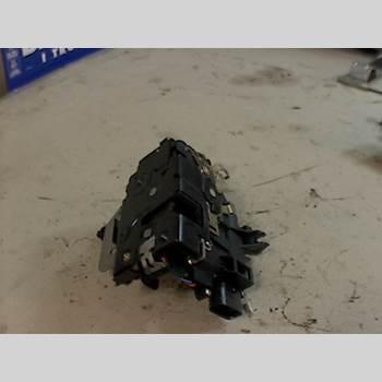 Centrallåsmotor Vänster AUDI A4/S4 01-05 AUDI A4 2,4 2003