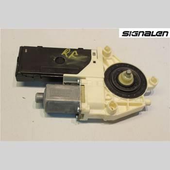 Fönsterhissmotor RENAULT LAGUNA III 11-15  2011 807307296R