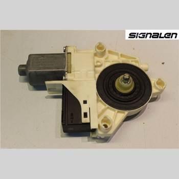 Fönsterhissmotor RENAULT LAGUNA III 11-15  2011 827310001R