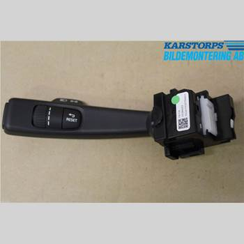 VOLVO V60 14-18 D4 2,0 ECO MOMENTUM 2014 31456045