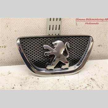 Emblem PEUGEOT 107 PEUGEOT 107 1,0 5D 2007 7810N6