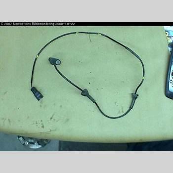 ABS Sensor VOLVO XC70 05-07 XC70 D5 6VXL 2005 30773738