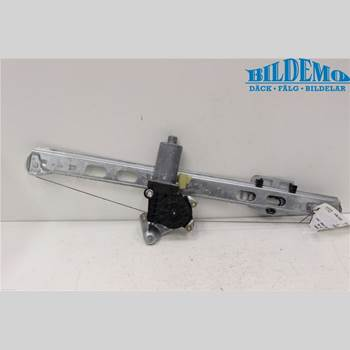 MB ML (W163) 97-05 MERCEDES-BENZ ML 350 2004 A1637301046