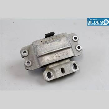 Växellådsfäste VW CADDY 11-15 1,6 TDI.VW CADDY MAXI 2012 1K0199555M