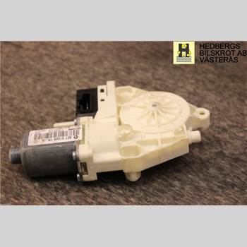 Fönsterhissmotor RENAULT LAGUNA III 11-15 2,0 DCI 2011 827010001R