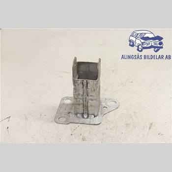 STÖTFÅNGARBÄRJÄRN FRAM RENAULT MÉGANE II  03-05 5DCS 1,6i16V 5VXL SER ABS 2004