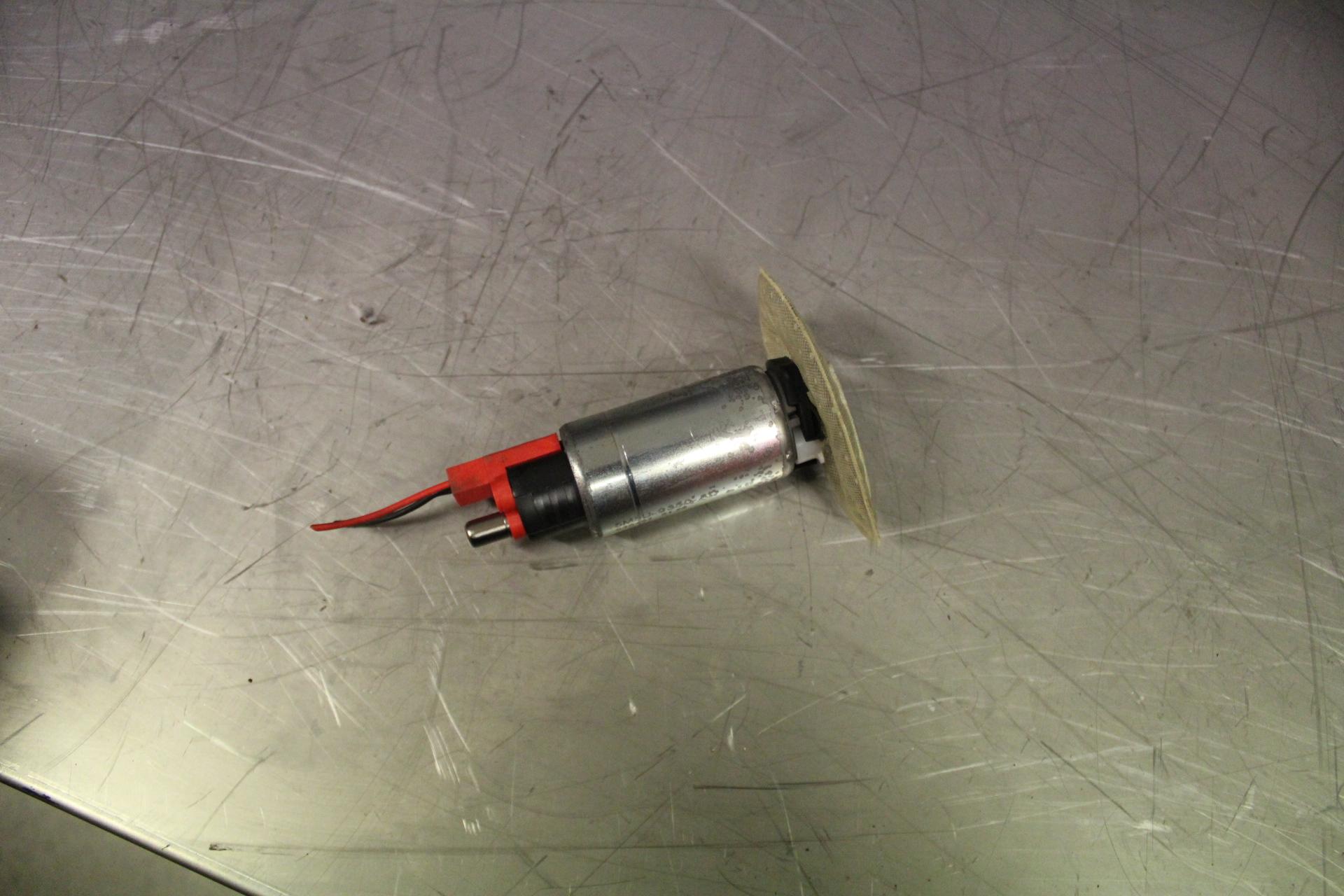 Bränslepump El till FORD FOCUS C-MAX I 2003-2006 VI 1593803 (0)
