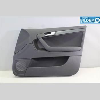 Dörrklädsel Höger AUDI A3/S4 05-13 1,6 TDI.AUDI A3 SPORTBACK 2012 8P4867104G