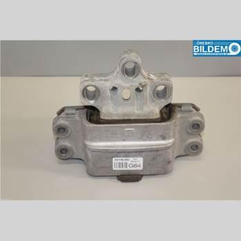Växellådsfäste VW CADDY 11-15 2,0 TDI.CADDY MAXI 2011 1K0199555Q