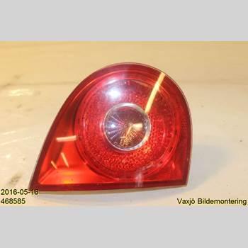 BAKLJUS BAKLUCKA VÄ VW GOLF V 04-09 1,6 FSi VW GOLF 1,6 FS1 2004 1K6945093E