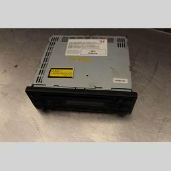 CD Radio HONDA CR-V     02-06 2,0i 16v VTEC 150hk SUV 2005 39101S9AE210M1