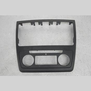 Instrument/Radio Sarg SKODA YETI YETI 2010