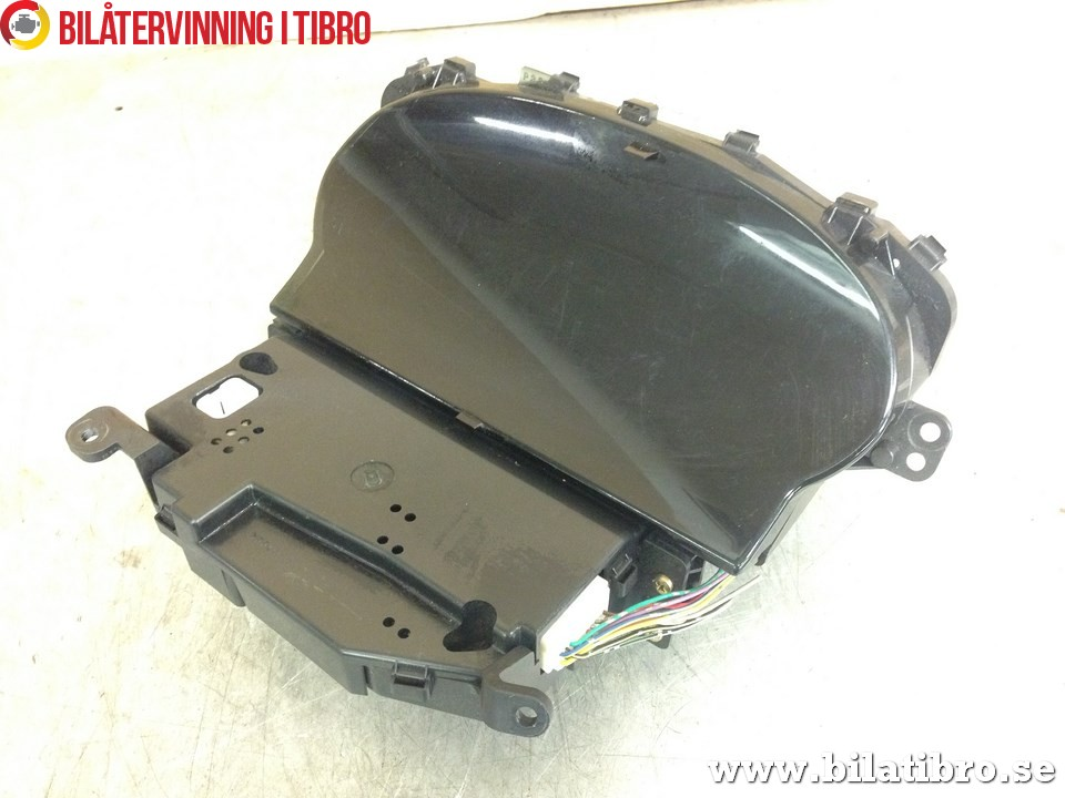 Kombi. Instrument till TOYOTA YARIS VERSO 2000-2005 TI L156925 (0)