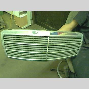 Grill/Galler MB C (W202) 94-00 MERCEDES BENZ C 200 1995