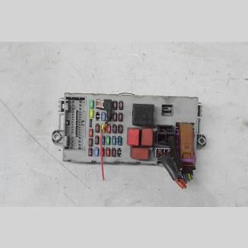Säkringsdosa/Elcentral PEUGEOT BOXER 07-14 BOXER FLAK 15TUM 2011