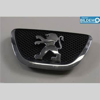 Emblem PEUGEOT 107 1,0 5VXL  3D CC 2008 7810N6