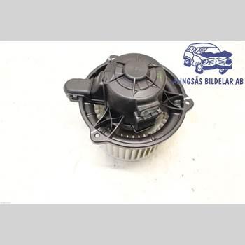 Värmefläkt KIA CEE´D 06-12 5DCBI 1,6i16V 5VXL SER ABS 2009 97113 2L000