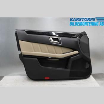 Dörrklädsel - Vänster MB E-KLASS (W212) 09-16 E220 CDI 2012 A2127200170