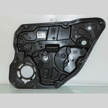 VOLVO V60 14-18 V60 TWIN ENGINE 2,4D D5 2016 30784309