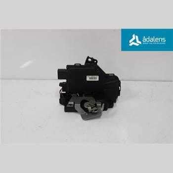 Centrallåsmotor Vänster AUDI A4/S4 01-05  2004 8E0839015C