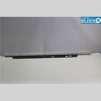 Dekorlist Dörr Fram Höger AUDI Q7/SQ7 6,0/V12 TDI.AUDI Q7 QUATTRO 2011 4L0853284D