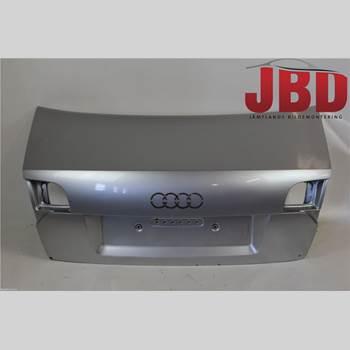 AUDI A4/S4 05-07 A4 (8EC/8HE) Quattro 2005 8E5827023AA